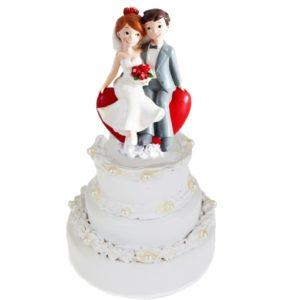 Brautpaar-hochzeitsfigur-tortenfigur-hochzeit-mit-rotem-herz