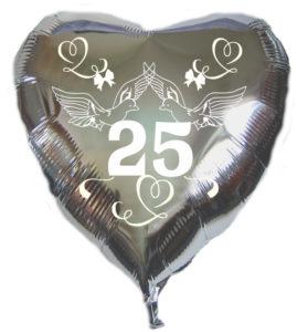 tballon-aus-Folie-zur-Silbernen-Hochzeit-mit-Helium-Ballongas-Tauben-Herzen-Schleifen